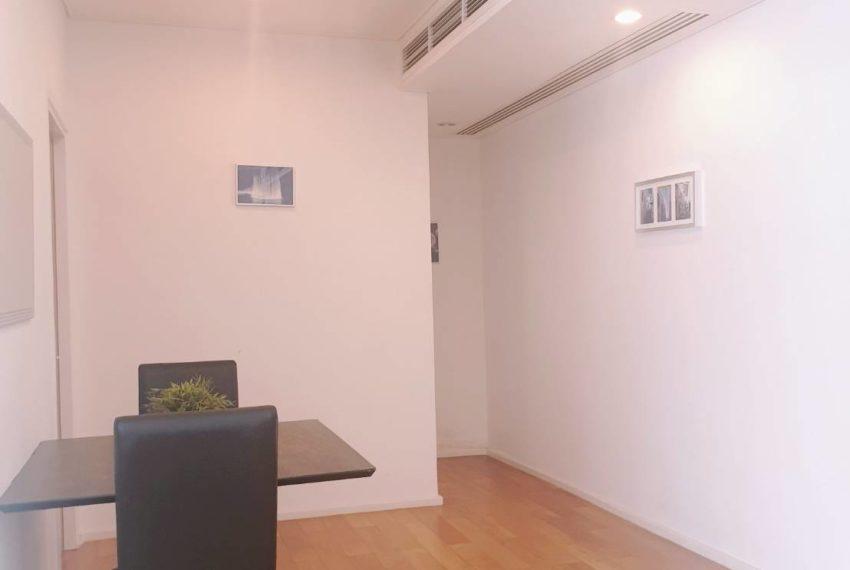 Wind Sukhumvit 23 - SALE - 3 bedroom - Mid Floor - entrance