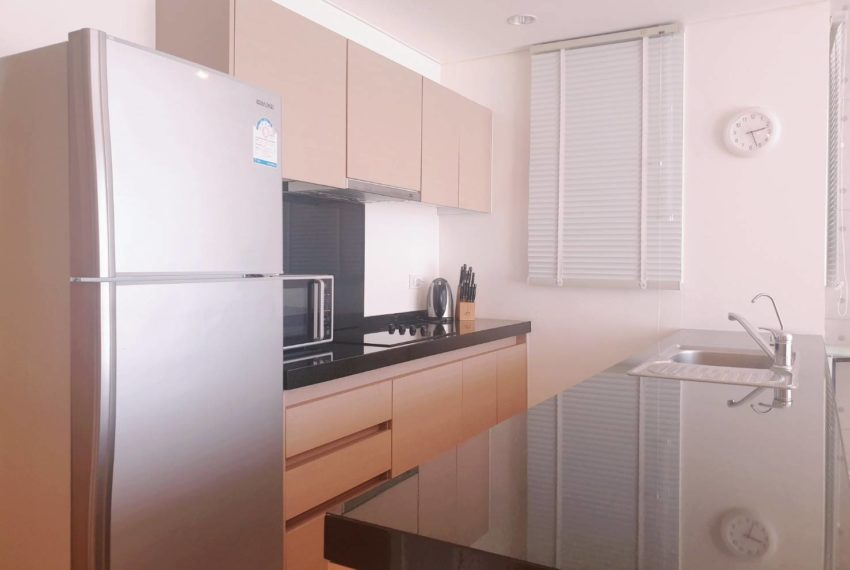 Wind Sukhumvit 23 - SALE - 3 bedroom - Mid Floor - equipped kitchen