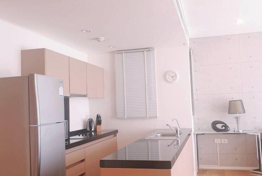 Wind Sukhumvit 23 - SALE - 3 bedroom - Mid Floor - fridge