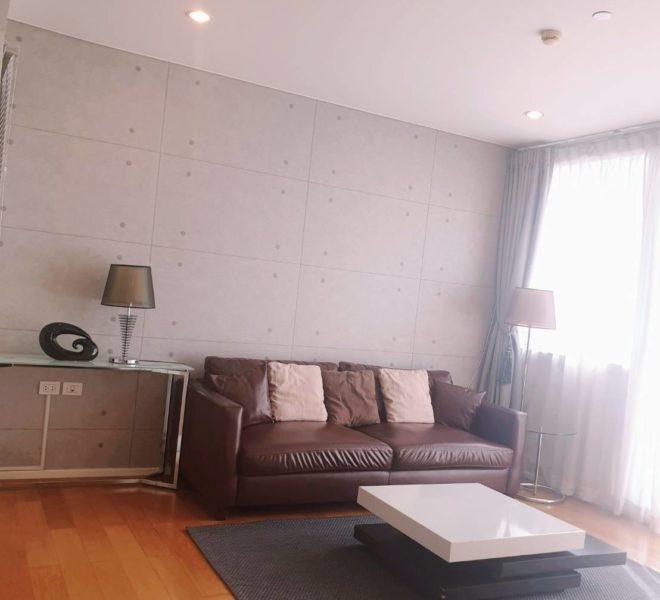 Wind Sukhumvit 23 - SALE - 3 bedroom - Mid Floor - living