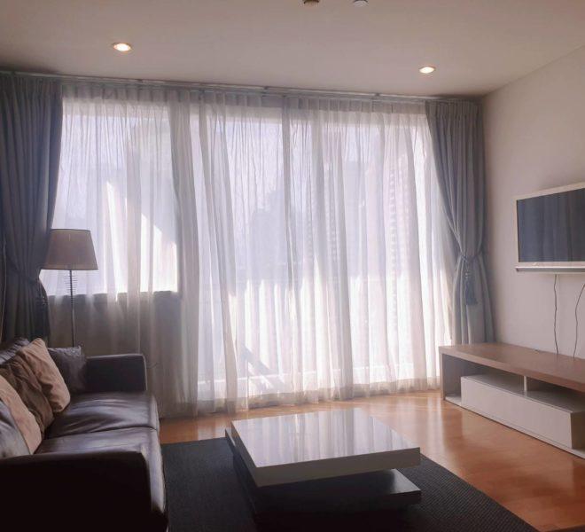 Wind Sukhumvit 23 - SALE - 3 bedroom - Mid Floor - living room
