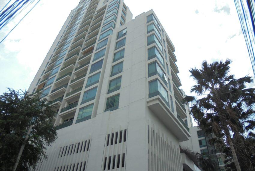 Wind Sukhumvit 23 condominium in Asoke - 22 store