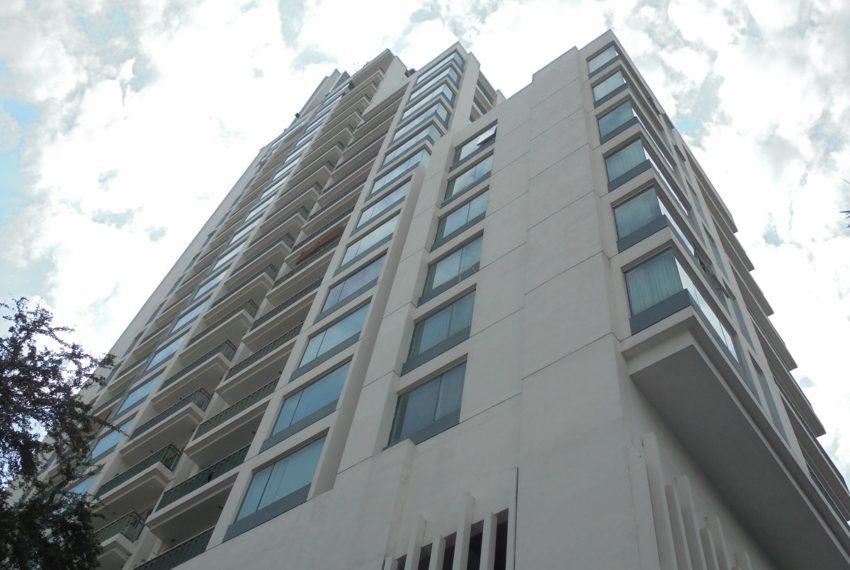 Wind Sukhumvit 23 condominium in Asoke - building