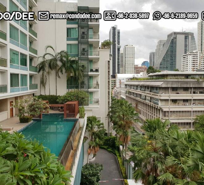 Wind Sukhumvit 23 condominium in Asoke - street view