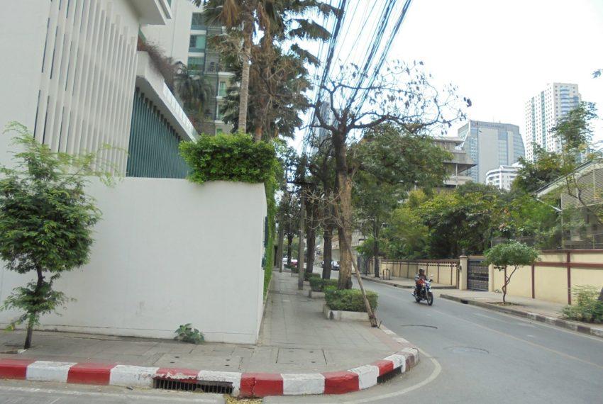 Wind Sukhumvit 23 street