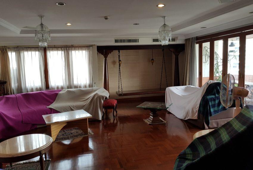Windsor Tower Sukhumvit 20 6-bedrooms 611sqm - 2nd living room