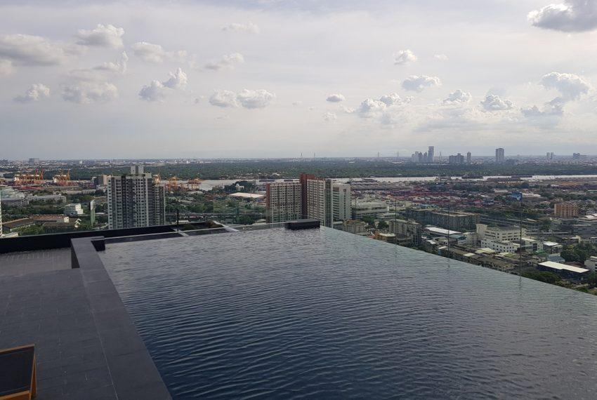 Wyndham Garden Residence at Sukhumvit 42 - infinity swimming pool