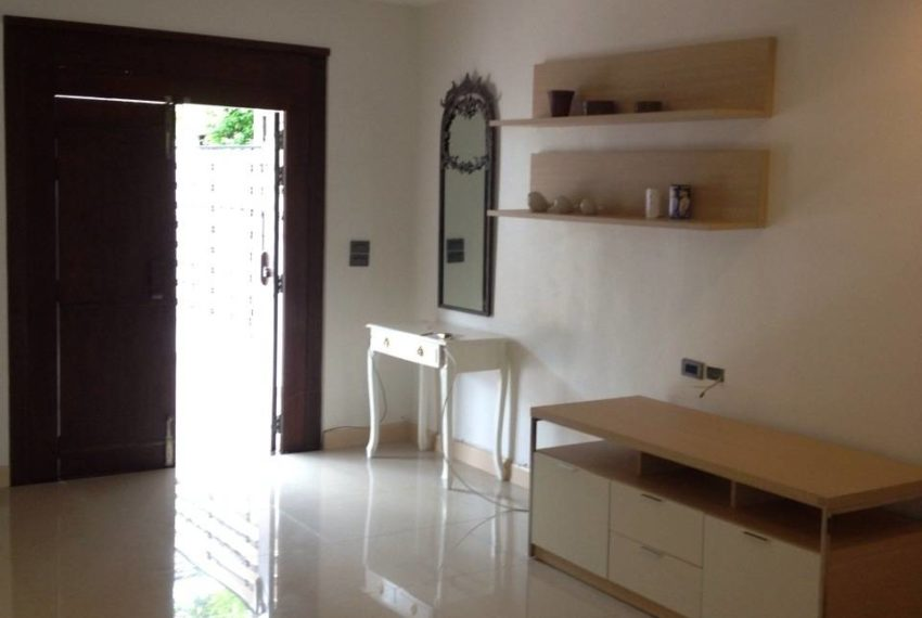 Yucharoen Moo Baan - townhouse for rent - big living room