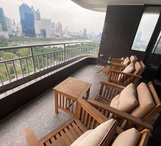 Condo with a lake view for sale - high-floor - 2 large bedrooms - Lake Green