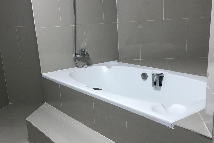 bathroom fl.3