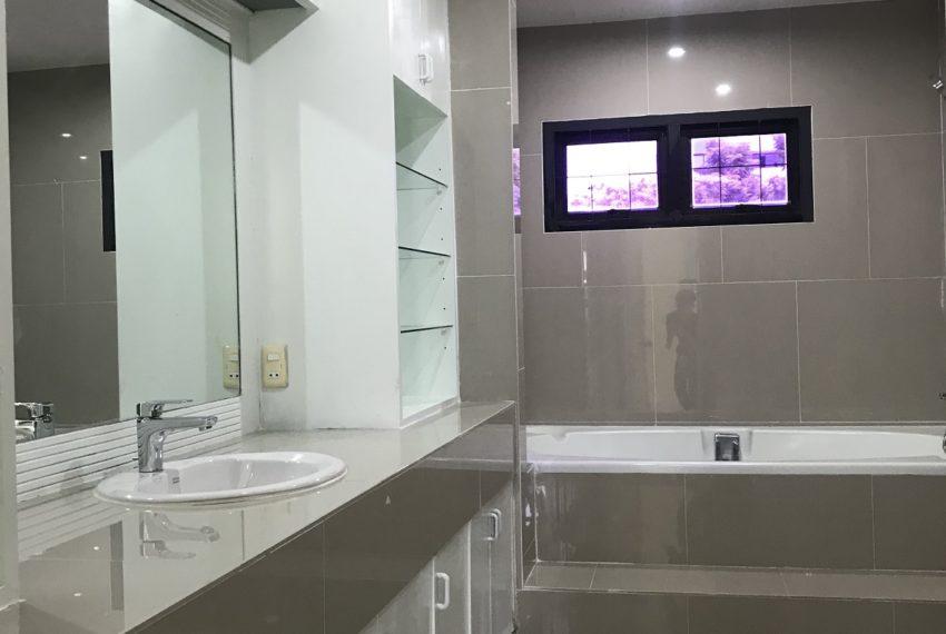 bathroom fl.4
