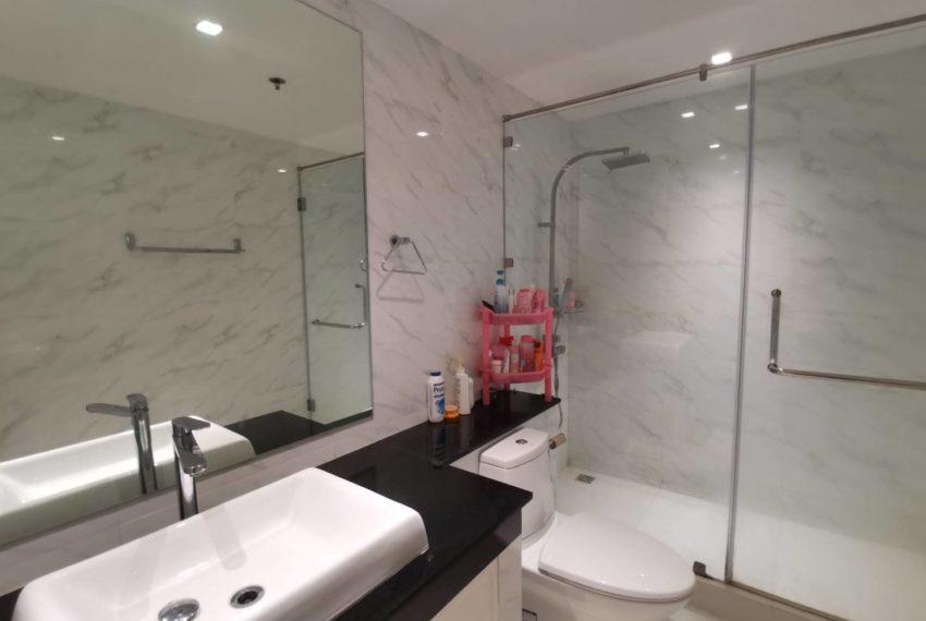 bathroom in 3rd bedroom