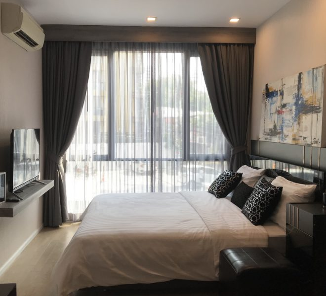 Nice 1-bedroom condo in a low-rise project for sale - near MRT - Trapezo Sukhumvit 16
