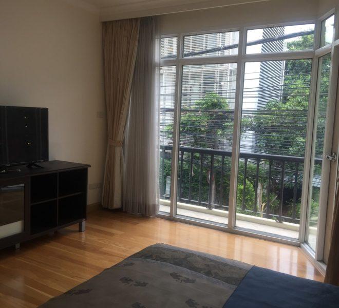 Luxury condo in Sukhumvit 39 for sale - 3 bedroom - low floor - pool view - The Cadogan
