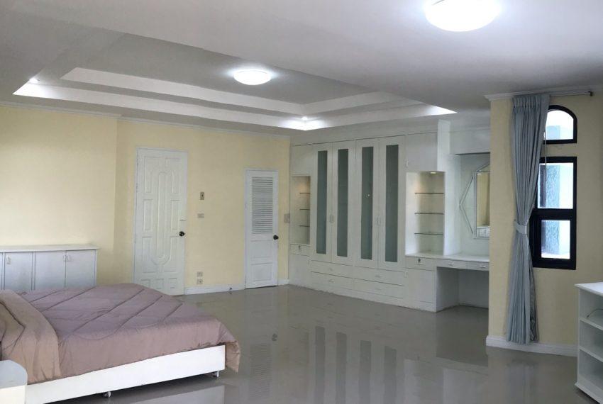 bedroom fl.4