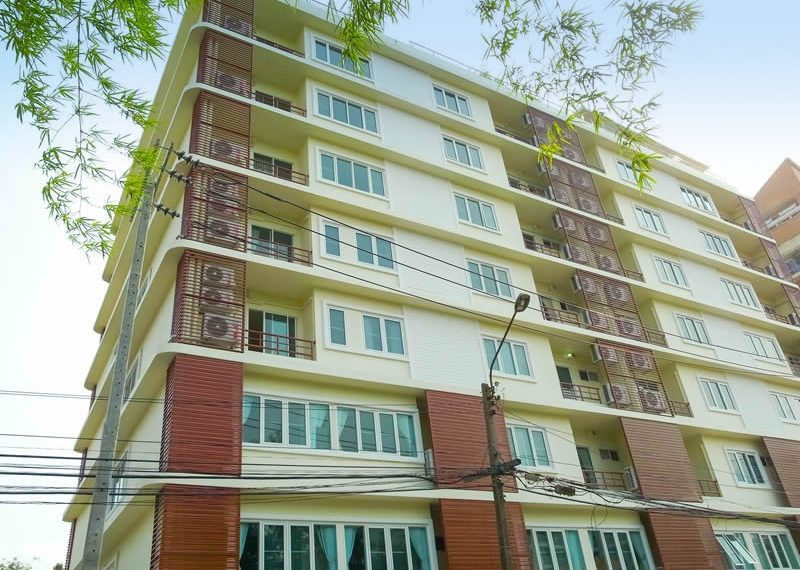 charming-resident-ekkamai-6-apartment-front