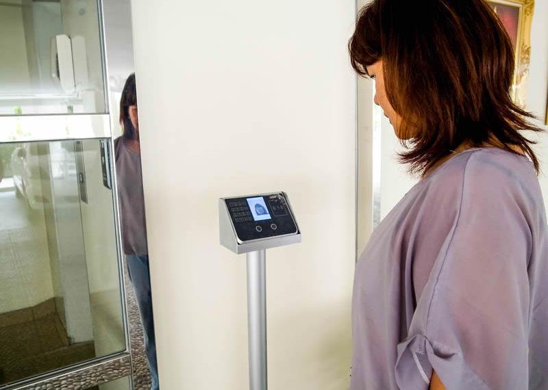 charming-resident-ekkamai-6-face-sensor