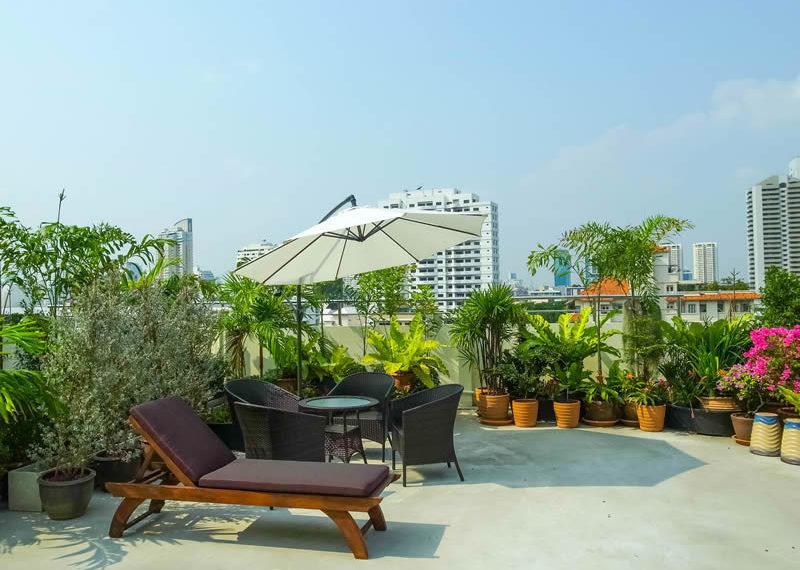 charming-resident-ekkamai-6-garden
