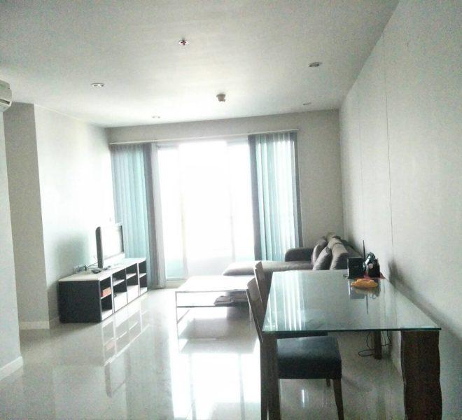 2-Bedroom Condo High Floor For Sale in Circle Condominium Good Deal