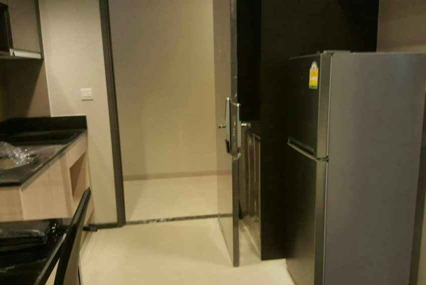edge sukhumvit 23 1 bedrom for rent - kitchen