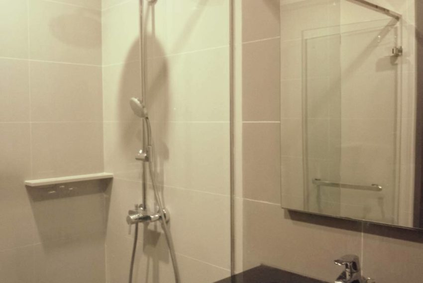 edge sukhumvit 23 mid floor for sale and rent - bathroom