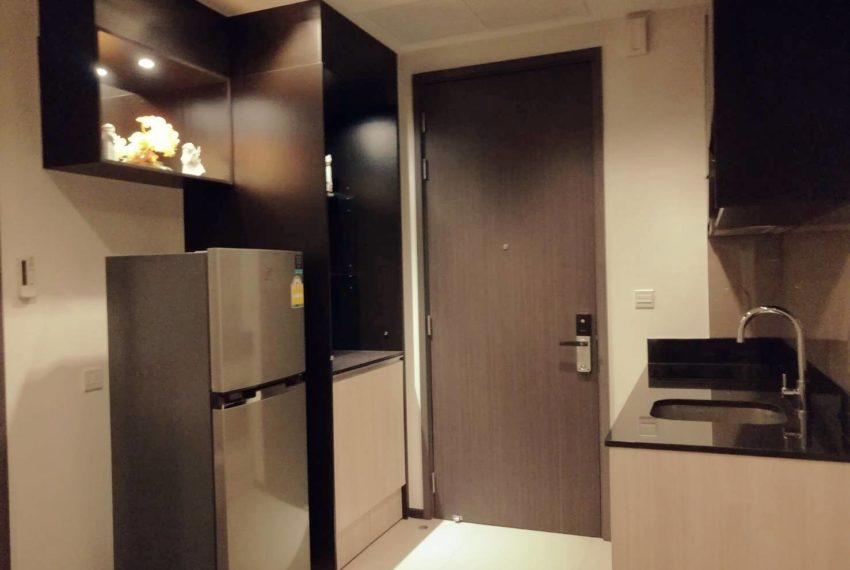 edge sukhumvit 23 mid floor for sale and rent - kitchen