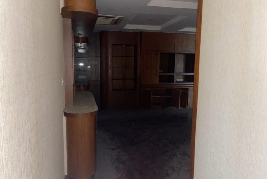 hallway to bed2