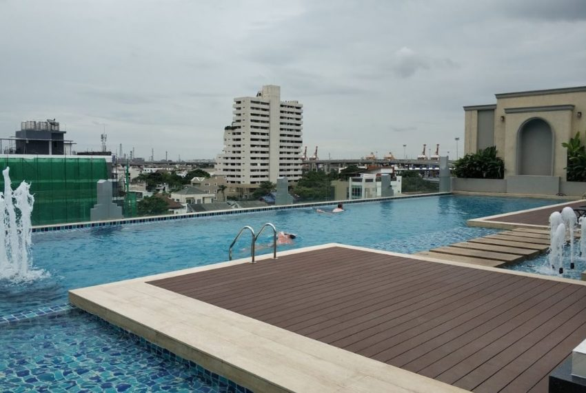infinity poolMayfair Place Sukhumvit 50 condo - meeting