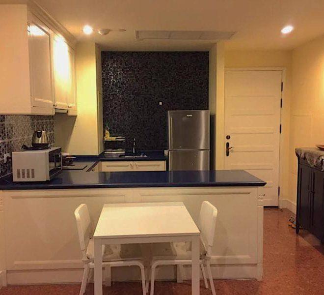 1 bedroom apartment for sale - mid-floor - Phrom Phong BTS - Aguston Sukhumvit 22 condominium