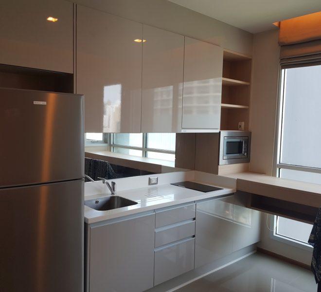 Flat for sale in Asoke near MRT Phetchaburi - 1-bedroom - mid-floor - The Address Asoke condominium