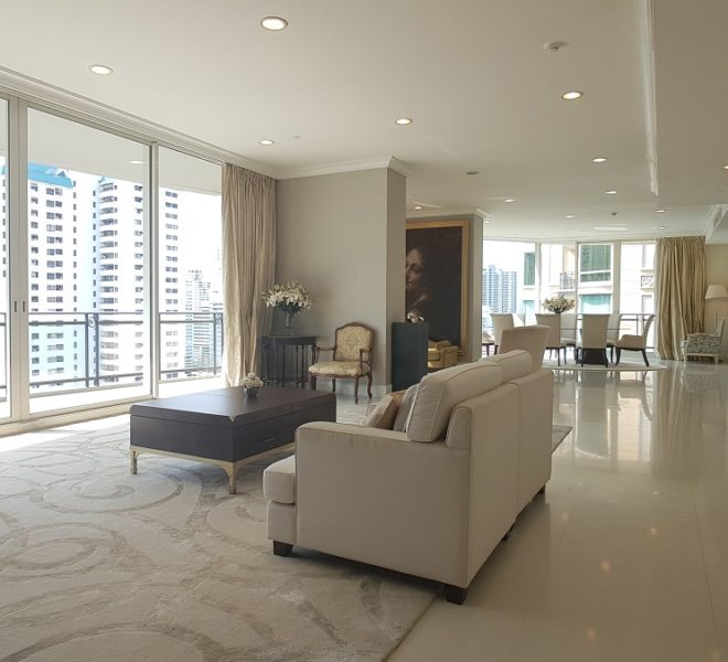 Spacious apartment for rent in Asoke - 4 bedroom - high floor - luxury - Royce Private Residences