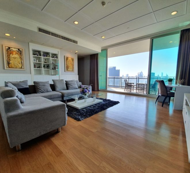 Large flat for rent in Asoke - 4 bedroom - high floor - luxury - Royce Private Residences