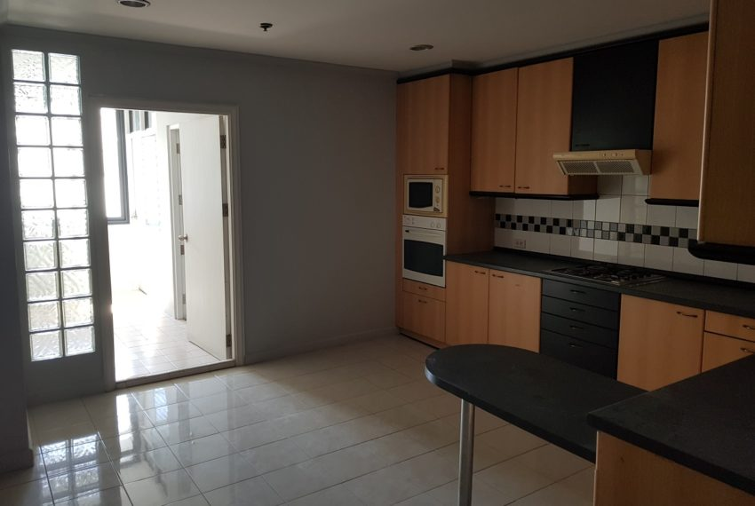 large separated kitchen