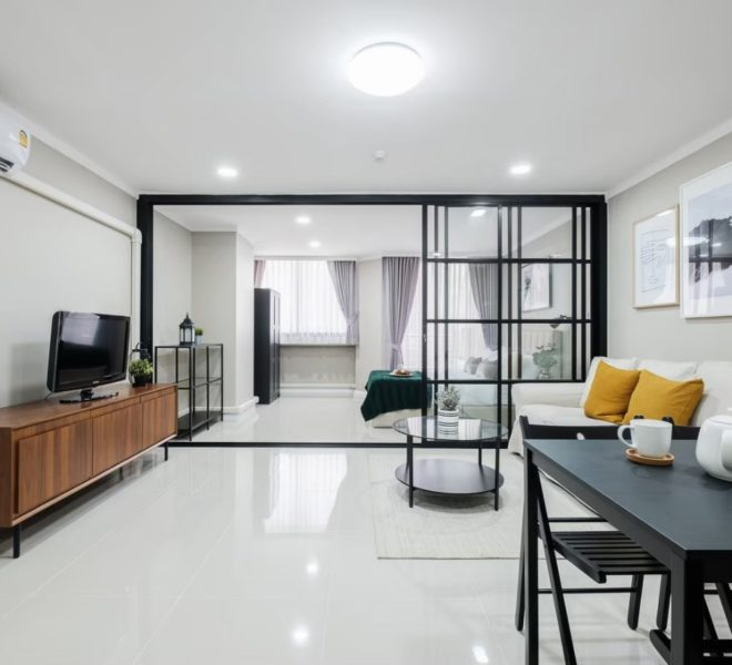 Condo with large balcony for sale in Sukhumvit 39 - 1-bedroom - Supalai Place