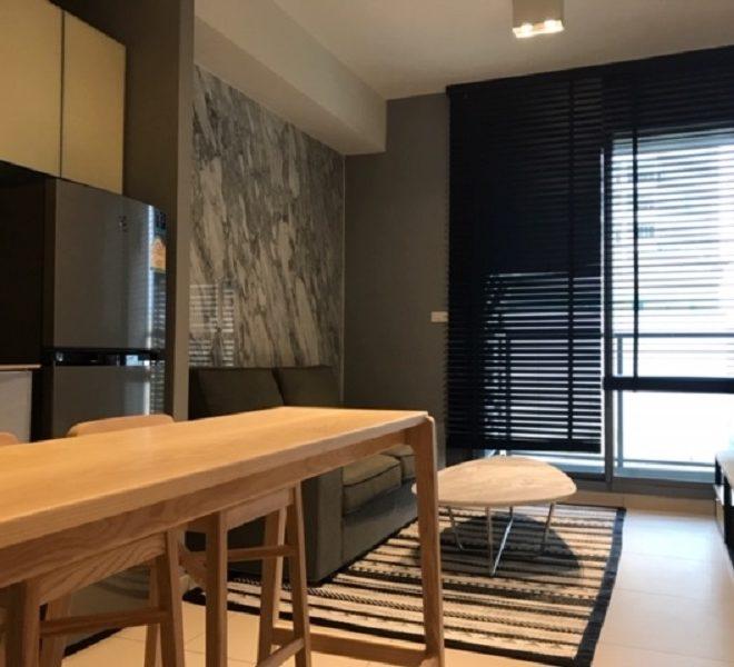 Apartment for rent near Ekkamai BTS - 1 bedroom - low-floor - The Lofts Ekkamai