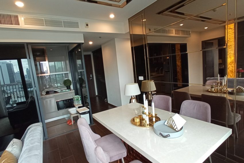living & dining area (2)