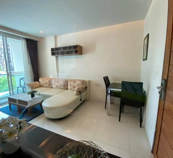 Condo in Sukhumvit 33 for sale - 1-bedroom - low-rise Beverly 33 condominium