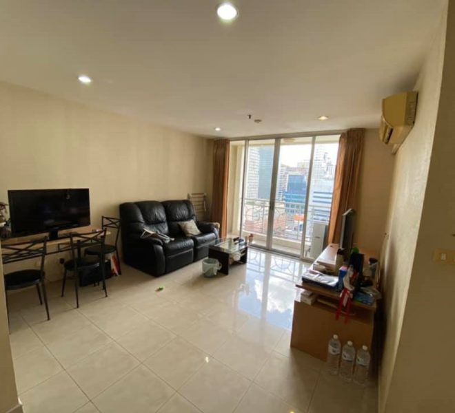 Condo in Sukhumvit 21 for sale - 2-bedroom - high floor - sale with tenant - Asoke Place