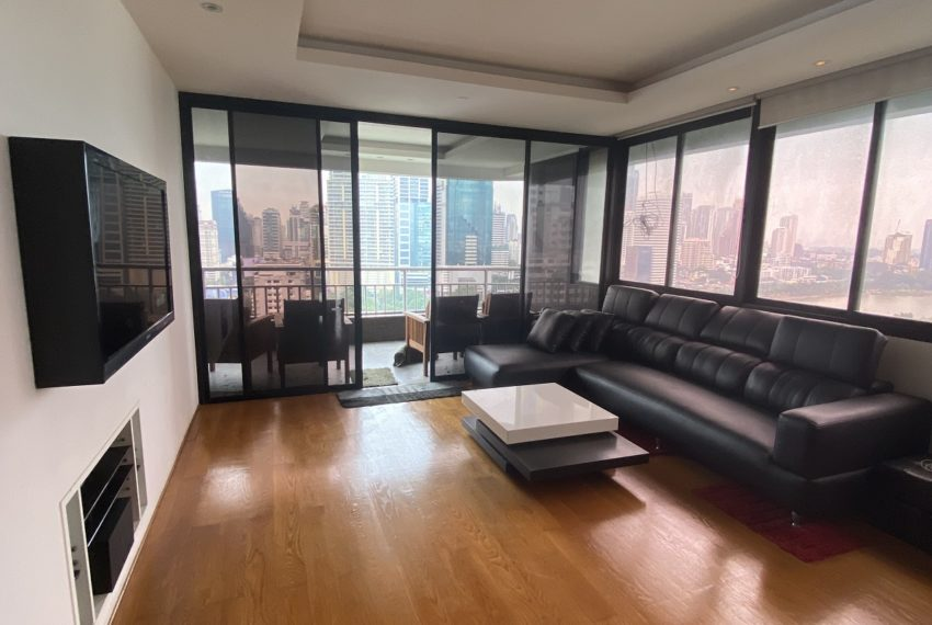 liviCondo with a lake view for sale - high-floor - 2 large bedrooms - Lake Greenng room