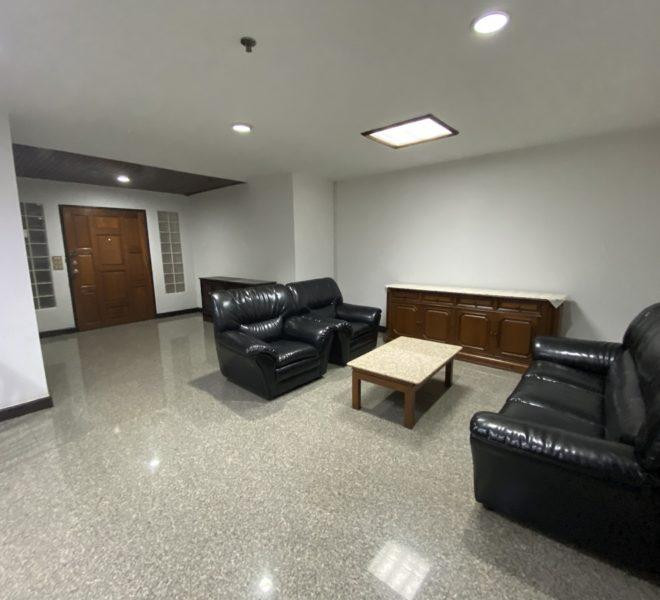 Large apartment in Soi Nana for sale - 2-bedroom - Crystal Garden Sukhumvit 4
