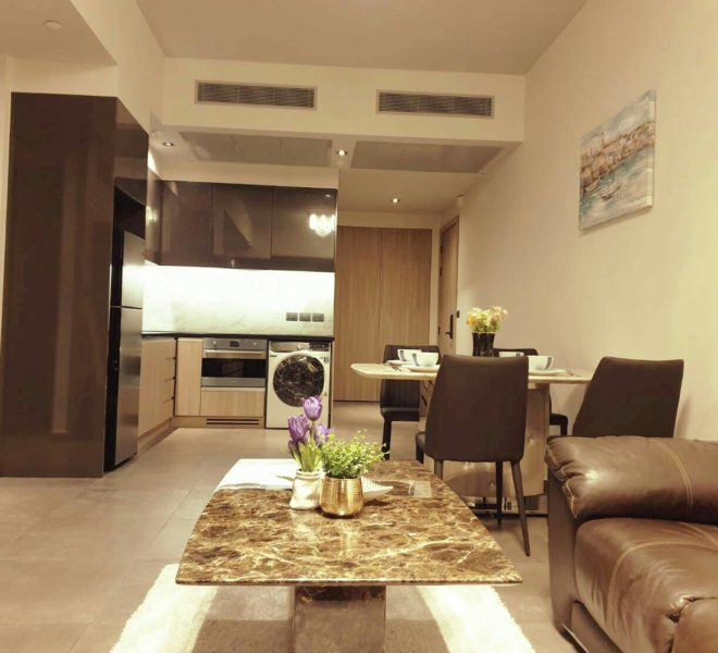 2 bedroom condo for rent near University in Asoke - mid floor - The Lofts Asoke