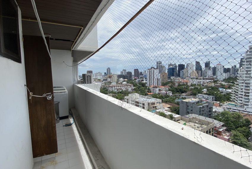 maids balconyb