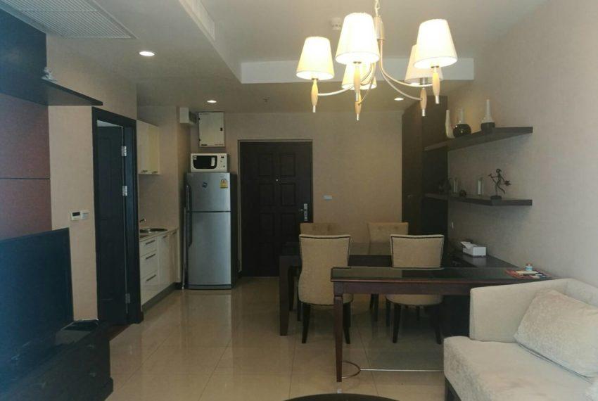 prime-11-rental-high-floor-1-bedroom-livingroom-2