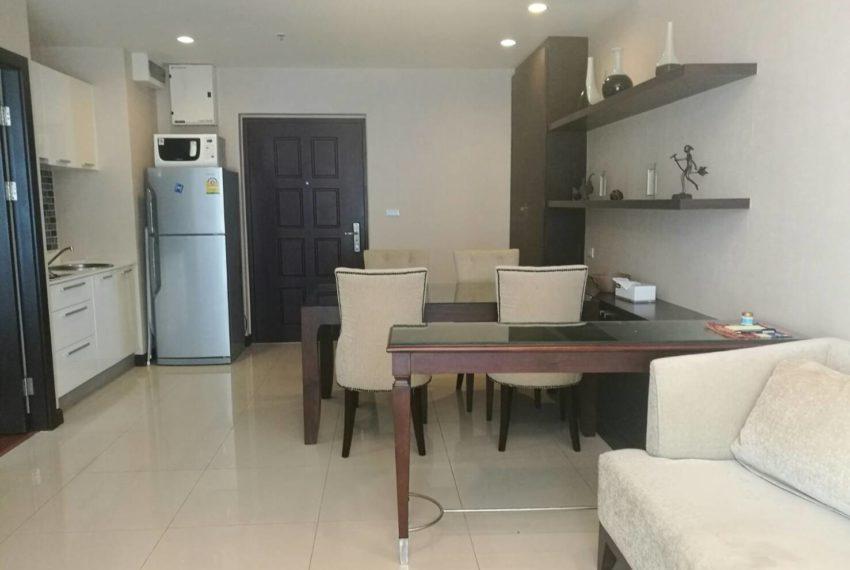 prime-11-rental-high-floor-1-bedroom-livingroom-4