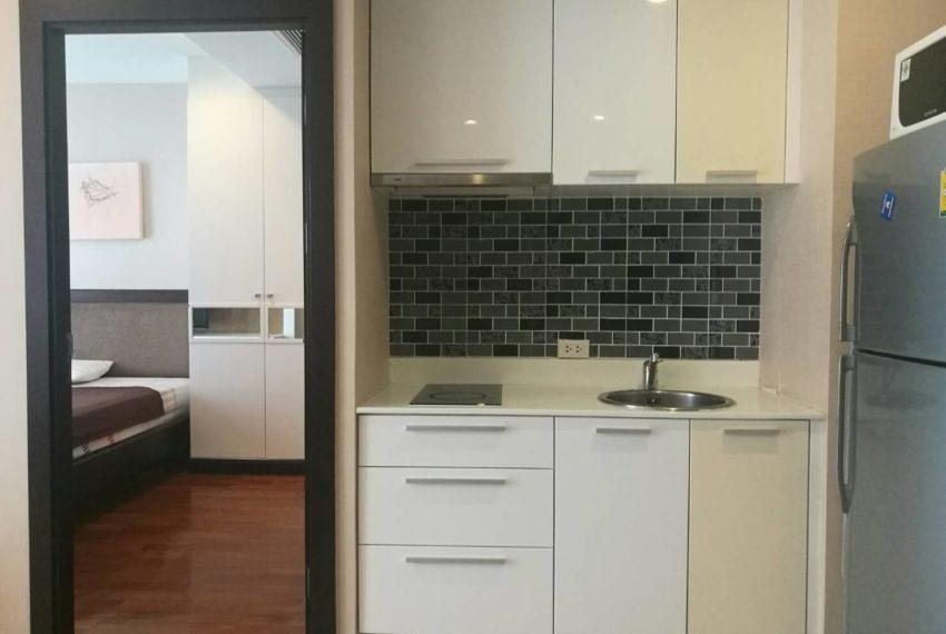 prime-11-rental-high-floor-1-bedroom-livinroom-5