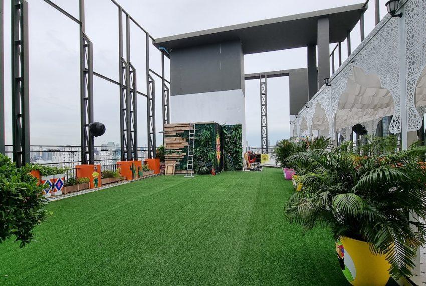 rooftop garden and restaurant
