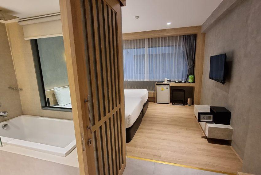 room jacuzzi