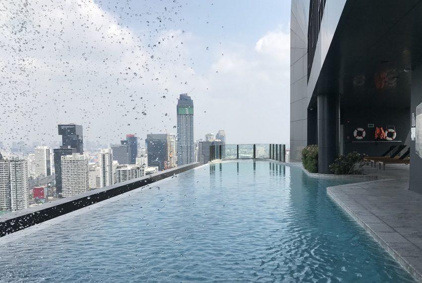 sky edge swimming pool