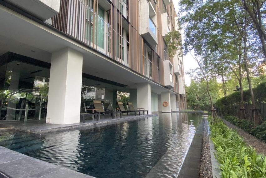 swimming poolb