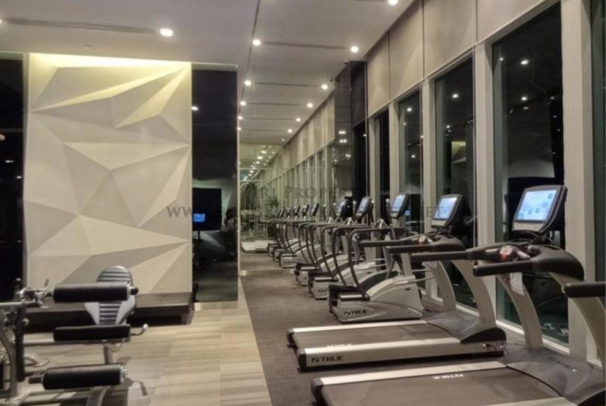 the address asoke fitness 01